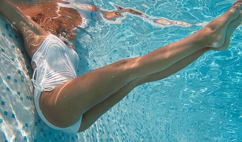 pool exercise leg lifts