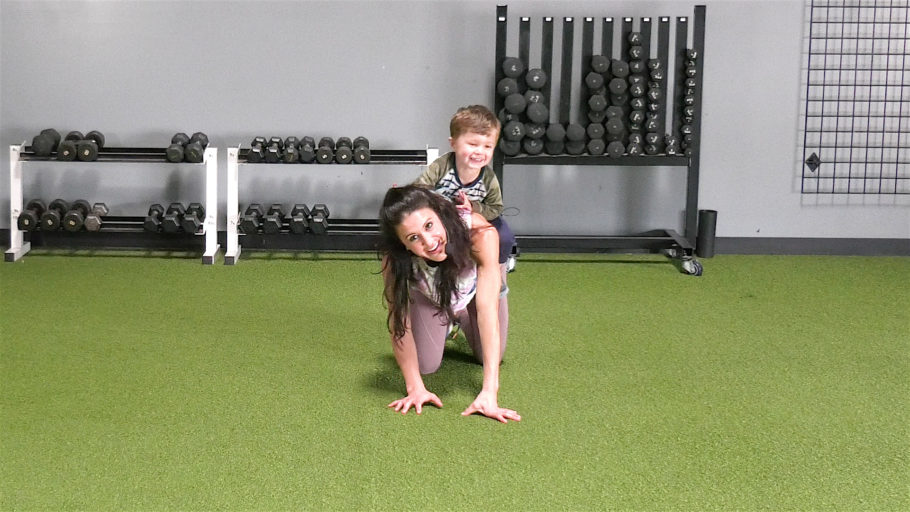 """""""Mommy and Me"""" workout video Toddler Time with Miriam & Oli"""