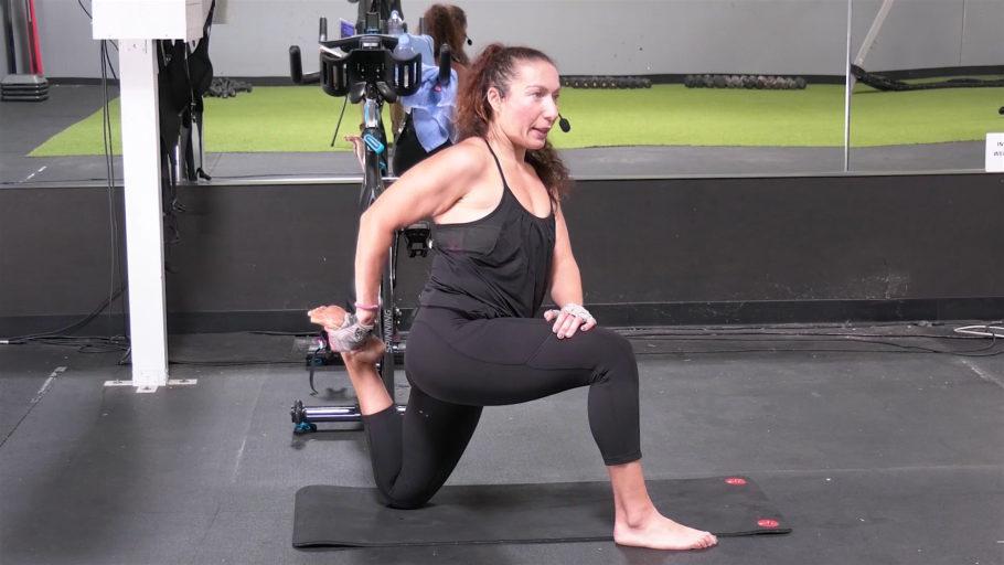 15 Min feel-good full body post-workout stretch