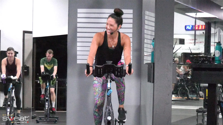 30-minute outdoor-simulating cycling class Mixed Terrain Ride